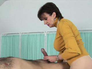 Adulterous english mature gill ellis shows her monster pu