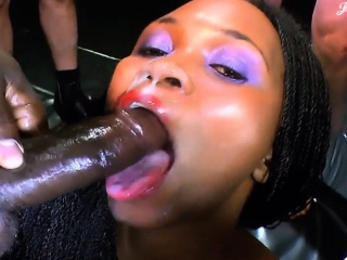 Black slut will get bukkaked