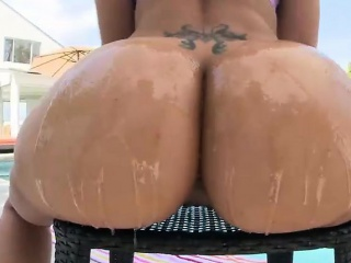 Enormous Brazilian booty wiggles whereas getting intensely fucked