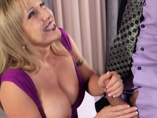 Mature cockslut craves a stud