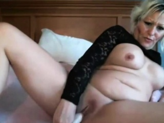 Sensual candy MILF Lillianna with big boobs masturbates
