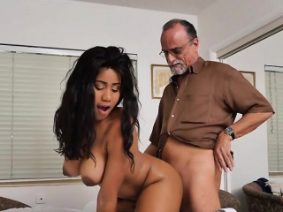 Busty Teen Tara Foxx Makes use of Her Wealthy Previous Admirer